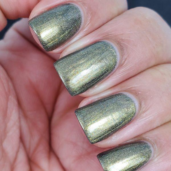 Golden Green Nail